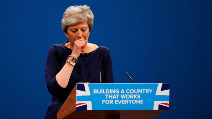"Il ""British dream"" di Theresa May si trasforma in un incubo"