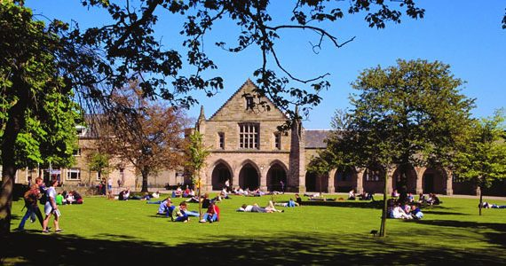 Cambridge, Oxford e Saint Andrews i migliori college in UK. Ma non mancano le sorprese