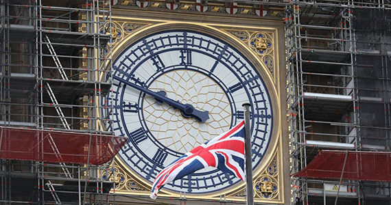 Da oggi il British Summer Time scandito dal nuovo blu prussiano del Big Ben